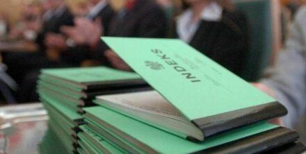 Studia dla zniżek naklejki i legitymacji studenckiej