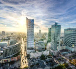 Skończ szkołę w Warszawie i podbijaj rynek pracy!
